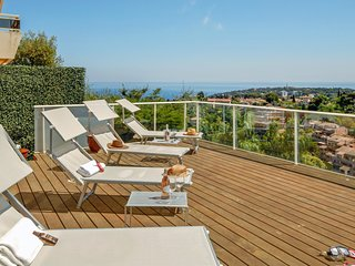 Roquebrune-Cap-Martin Villa Sleeps 6 with Air Con and WiFi - 5238444