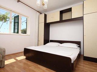 Veliko Brdo Apartment Sleeps 6 with Air Con and WiFi - 5466600