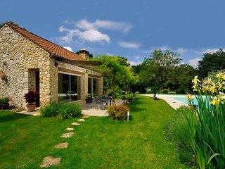 Siorac-en-Perigord Villa Sleeps 2 with Pool Air Con and WiFi - 5238411