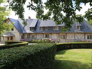 Saint-Leger-sur-Bonneville Villa Sleeps 11 with WiFi - 5238412