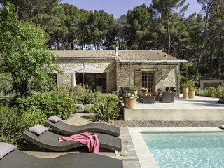 Pernes-les-Fontaines Villa Sleeps 10 with Pool Air Con and WiFi - 5238423