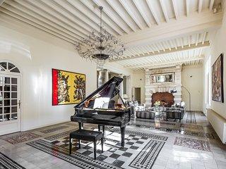 Montagnac Villa Sleeps 14 with WiFi - 5238488