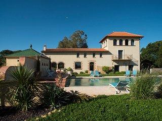 Canet-en-Roussillon Villa Sleeps 14 with Air Con and WiFi - 5238490