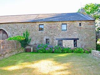 Larmor-Baden Villa Sleeps 8 with WiFi - 5238504