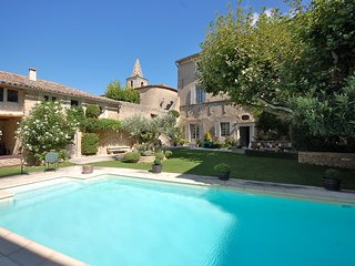 Cabrieres-d'Avignon Villa Sleeps 12 with Pool and WiFi - 5238519