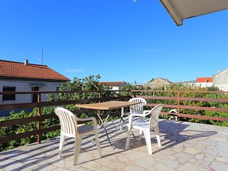 Kastel Stari Apartment Sleeps 8 with Air Con and WiFi - 5807689