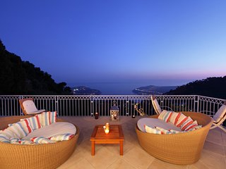Nice Villa Sleeps 8 with Air Con - 5238532