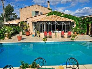Cotignac Villa Sleeps 6 with Air Con - 5238556