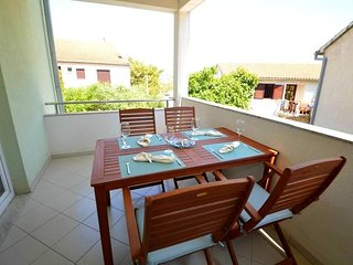 Pakostane Apartment Sleeps 4 with Pool Air Con and WiFi - 5807288