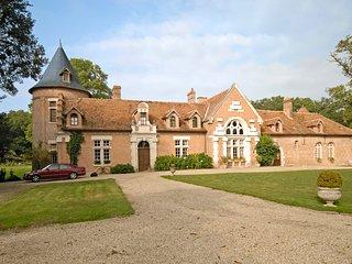 Lanthenay Villa Sleeps 14 with WiFi - 5238571
