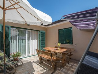Plovanija Holiday Home Sleeps 5 with Air Con - 5569374