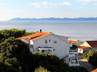 Zavalatica Apartment Sleeps 6 with Air Con and WiFi - 5462864