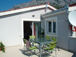 Holiday home 172449 - Holiday apartment 185424