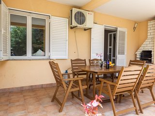 Novalja Apartment Sleeps 6 with Air Con - 5791588