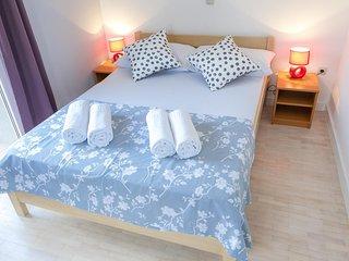 Novalja Apartment Sleeps 6 with Air Con and WiFi - 5791584