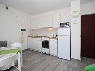 Holiday home 185157 - Holiday apartment 214926