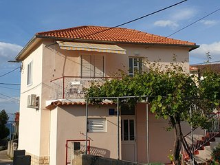 Lukoran Apartment Sleeps 4 with Air Con and WiFi - 5802446