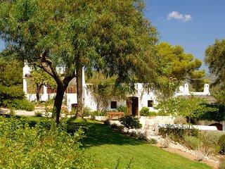 Santa Eularia des Riu Villa Sleeps 16 with Pool and WiFi - 5805537