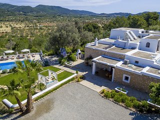 Can Codolar Villa Sleeps 12 with Pool and Air Con - 5805497