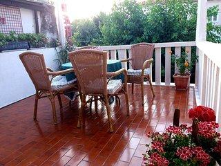Baska Voda Apartment Sleeps 5 with Air Con - 5471422