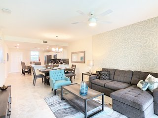 NEW! SPECIAL OFFER! - SUNNY SIDE - New Amazing Condo (5 Min Disney And Outlets)