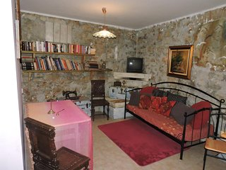 Sutomiscica Apartment Sleeps 4 with Pool Air Con and WiFi - 5489619