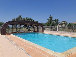 Maison duplex piscine jardinet parking