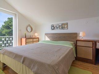 Biograd na Moru Apartment Sleeps 5 with Pool Air Con and WiFi - 5677169