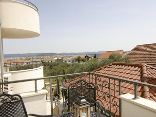 Murter Apartment Sleeps 4 with Pool and Air Con - 5783775