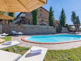 Ponte A Tressa Cottage Sleeps 2 with Pool Air Con and WiFi - 5711321