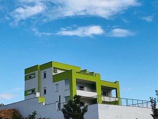 Rovanjska Holiday Home Sleeps 16 with Pool Air Con and WiFi - 5780151
