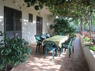 Donje Selo Apartment Sleeps 6 with WiFi - 5468505
