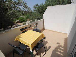 Bozava Apartment Sleeps 3 with Air Con - 5467940