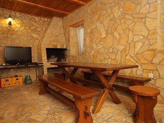 Poljana Apartment Sleeps 5 with Air Con and WiFi - 5468385