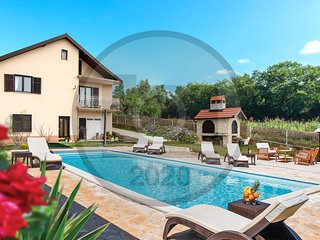 Beautiful home in Karakasica w/ Outdoor swimming pool, WiFi and 4 Bedrooms (CDC2