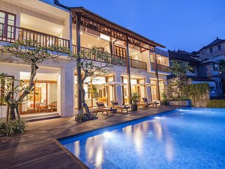 River 6 Bedroom with Infinity Private Pool Villa + Breakfast