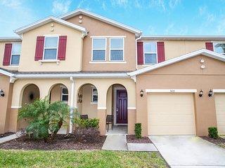 5108 Family Friendly 4 Bedroom close to Disney in Orlando Area
