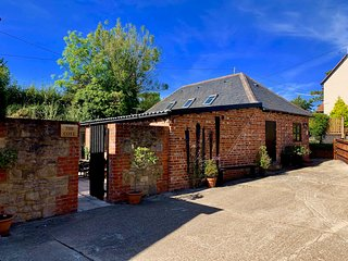 Stunning Barn Conversion on a Working Farm Two Beds, Sleeps 4 + a dog