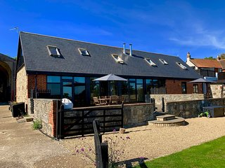 Stunning Barn Conversion on a Working Farm close to Ryde, Sleeps 6.