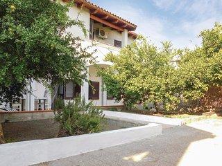 Nice apartment in Baratili San Pietro w/ 2 Bedrooms (IGO056)