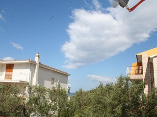 Promajna Apartment Sleeps 4 with Air Con and WiFi - 5606393