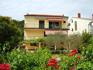 Mali Losinj Apartment Sleeps 3 with Air Con and WiFi - 5471318