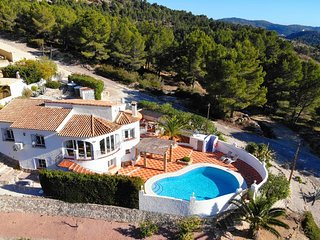 Villa with Private Pool and Stunning Views Xalo (Jalon) Costa Blanca