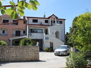 Rovinj Apartment Sleeps 3 with Air Con - 5467463