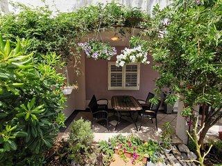 Makarska Apartment Sleeps 6 with Air Con - 5830659