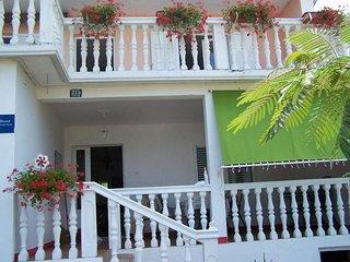 Three bedroom apartment Kampor (Rab) (A-17396-b)