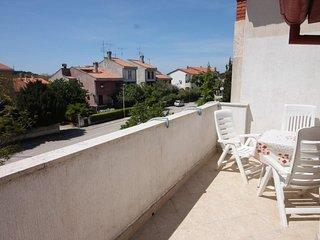 Rovinj Apartment Sleeps 6 with Air Con - 5467468