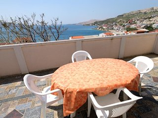 Kolan Apartment Sleeps 5 with Air Con - 5459013