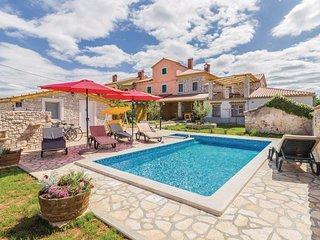 Krnjaloza Holiday Home Sleeps 10 with Pool Air Con and WiFi - 5624836