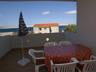 Kustici Apartment Sleeps 6 with Air Con and WiFi - 5462255